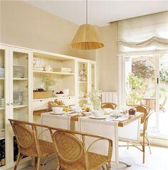 Comer en la cocina: 18 office con mucho encanto · ElMueble.com · Cocinas y baños Kitchen Office, Kitchen Decor, Muebles Living, Lunch Room, Custom Home Designs, Interior Decorating, Interior Design, Bars For Home, Ideal Home