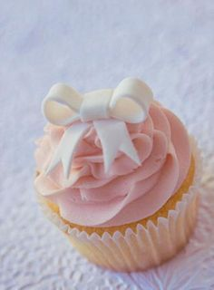 bow topped cupcake