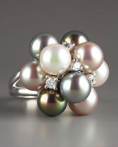 Majorica  Pearl Cluster Rin....wow