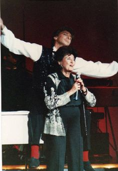 Barry Manilow and Can't Smile Without partner Edna Manilow Casers Atlantic City October 20, 1985.