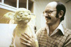 Screenwriters Lawrence Kasdan and Simon Kinberg talk STAR WARS: EPISODE VII and standalone films, in which Frank Oz would happily return to voice Yoda Frank Oz Yoda, Fraggle Rock, The Empire Strikes Back, Jim Henson, Obi Wan, Star Wars Art, Puppets, Tv, Science Fiction