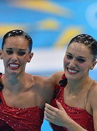 Andrea Fuentes y Ona Carbonell consiguieron la plata en el dúo de natación sincronizada. Aventajaron en 30 centésimas a la paraja china! Enhorabuena
