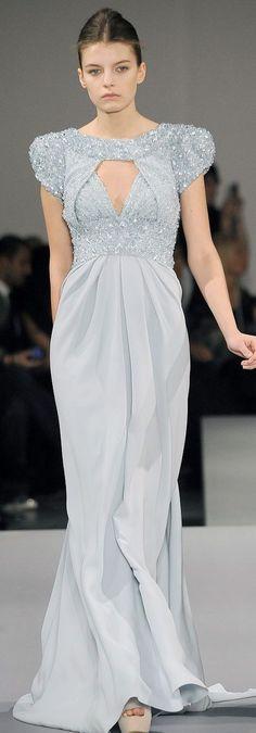 Elie Saab Parigi - Haute Couture Spring Summer 2009 - Shows - Vogue. Fashion Moda, High Fashion, Fashion Show, Fashion Design, Blue Fashion, Fashion Details, Women's Fashion, Armani Prive, Beautiful Dresses