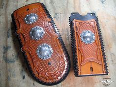 Sundog Leather - The Worlds Best Custom Leather Motorcycle Fender bibs & custom motorcycle accessories Tooled Leather, Leather Tooling, E Biker, Motorcycle Leather, Leather Projects, Custom Leather, Motorcycle Accessories, Bibs, Motorcycles