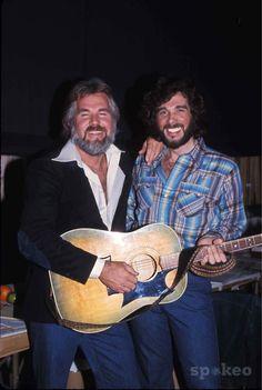 Kenny Rogers and Eddie Rabbit G3496 1977 Photo by Bob Noble/Globe Photos Inc