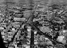 pº de la castellana, primeros años 40: nuevos ministerios, en construcción; el campo pierde terrenos con la ciudad (arriba)