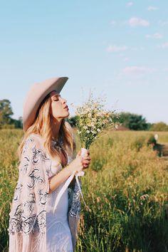 #weddingbouquet #blummflowerco Wedding Bouquets, Brides, Hats, Fashion, Floral Design, Floral Arrangements, Moda, Bridal Bouquets, Hat