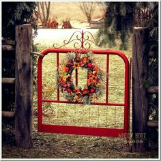 Beautiful backyard garden inspiration for your home! Creative gates for a gorgeo… Beautiful backyard garden inspiration for your home! Creative gates for a gorgeous entryway into a yard or flower garden. Lovely tour of homes.