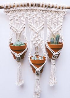 macrame plant hanger+macrame+macrame wall hanging+macrame patterns+macrame projects+macrame diy+macrame knots+macrame plant hanger diy+TWOME I Macrame & Natural Dyer Maker & Educator+MangoAndMore macrame studio Macrame Design, Macrame Art, Macrame Projects, Macrame Knots, Micro Macrame, Macrame Plant Hanger Patterns, Free Macrame Patterns, Macrame Hanging Planter, Macrame Plant Holder