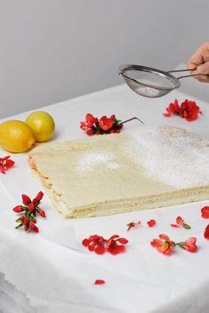 Croatian Recipes, Vintage Cookies, Dessert Recipes, Desserts, Vanilla Cake, Food To Make, Serving Bowls, Sweets, Vegan