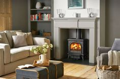 Ideas for wood burning stove fireplace fire surround mantels My Living Room, Home And Living, Living Room Decor, Log Burner Living Room, 1930s Living Room, Dining Room, Wood Burner Fireplace, 1930s Fireplace, Fireplace Ideas
