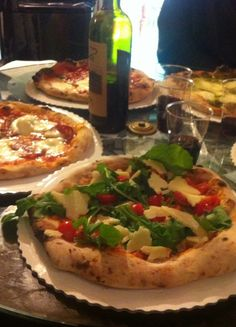 While I don't want to gain 10 lbs, I'd certain try these restaurants in Florence: How to Gain 10 lbs in Florence, Italy - Top 10 favorite restaurants from someone who lived there.