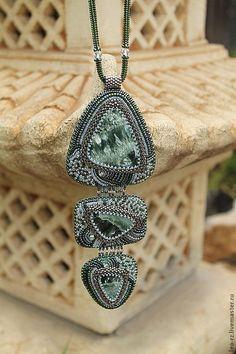 Купить Колье с клинохлором (серафинитом) - зелёный, кулон с камнем, колье с камнями, Украшение ручной работы