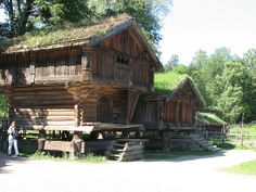 Beautiful traditional Norwegian homes Visit page View image Cabana, Norwegian House, Viking House, Norway Viking, Living Roofs, Old Barns, Scandinavian Home, Log Homes, Traditional House
