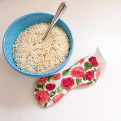 Fill a sachet with essential oil-infused rice to make a microwavable eye mask.