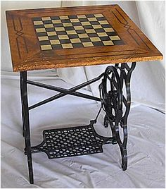 Checkerboard table with old Singer sewing machine base Sewing Machine Tables, Treadle Sewing Machines, Antique Sewing Machines, Sewing Tables, Furniture Projects, Furniture Making, Furniture Makeover, Diy Furniture, Repurposed Furniture