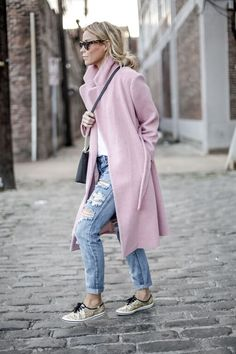 How to wear pink & sneaks casual vibe
