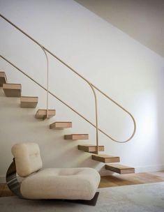 lady-iwilltouchyouwithmymind: Oscar Niemeyer chair.