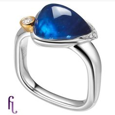 8ct #bluesapphire set in #platinum contrast with small #diamond, the #yellowgold setting is the highlight of this design. @mr_feiliu @feiliufinejewellery @stylingspy @dallasdesigns326