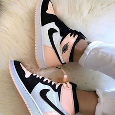 shoes sneakers nike Source by lillyschwandke too shoes Jordan Shoes Girls, Girls Shoes, Nike Jordan Shoes, Shoes Jordans, Nike Shoes Outfits, Women Nike Shoes, Retro Nike Shoes, Cute Sneakers For Women, Cool Nike Shoes