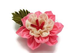 Rosa Blanca Flor Kanzashi peine del pelo / flor de por HandcraftKu