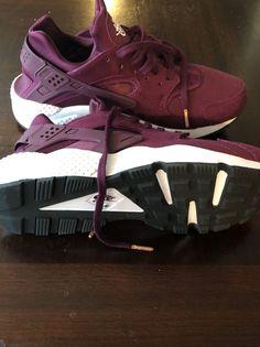 sale retailer 64343 6db6e Women s Nike Air Huarache Run SE Bordeaux Black White Size 12  fashion
