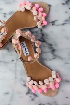 DIY Shoe Makeovers - DIY Pom Pom Sandals - Cool Ways to Update, Decorate, Paint, Bedazle and Add Sparkle to Your Flats, Pumps, Tennis Shoes, Boots and Boring Shoes - Cool Crafts and DIY Shoe Ideas for Teens and Adults http://diyprojectsforteens.com/diy-shoe-makeovers