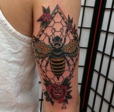186 Best For The Love Of Bees Images Bees Beehive Beekeeping