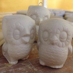 Loving this vintage owl mold!