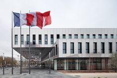 Strategische Zurückhaltung - Rathaus von ECDM bei Paris