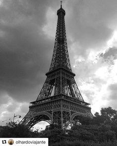 Use #letsflyawaybr e apareça no nosso feed! Obrigada @olhardoviajante por compartilhar essa imagem! Que imagem maravilhosa da Torre Eiffel!!! Como não amar Paris? ----------- Use #letsflyawaybr and show up in our feed! Thank you @olhardoviajante for sharing this image! What a wonderful image of the Eiffel Tower !!! How not to love Paris? ------------ #repost #paris #frança #france #eiffeltower #eiffel #france #ig_france #iloveparis #paris #instaparis #viagem #trip #travel #viaje #instatravel…