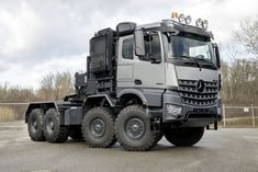 Mercedes Benz Unimog, Mercedes Benz Trucks, Cool Trucks, Big Trucks, Ev Truck, Volvo, Luxury Van, Truck Transport, Mercedez Benz