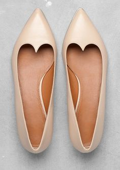 Nude ballerina flats found on Nudevotion