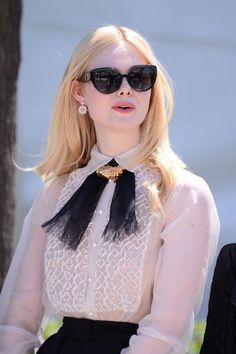 Elle Fanning photo 974 of 1035 pics, wallpaper - photo - Looks Chic, Looks Style, My Style, Look Fashion, High Fashion, Womens Fashion, Mode Outfits, Fashion Outfits, Dakota And Elle Fanning