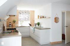 Zasłony rzymskie - Średnia otwarta kuchnia w kształcie litery u z oknem, styl skandynawski - zdjęcie od ANWIS Sp. z o.o.