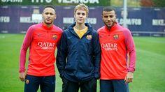 November 21: Justin with Neymar Jr. and Rafinha in Barcelona, Spain.