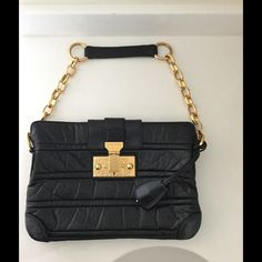 Marc Jacobs Christina Shoulder Bag Black Gold A rare bag, stunning soft quilted leather within hammered gold hardware. NO TRADES PLEASE. 30% off bundles of 3 items Marc Jacobs Bags
