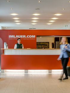 Großzügige Lobby im IMLUAER & Bräu Hotel Salzburg. Das Hotel, Restaurant, Modern, Old Town, Trendy Tree, Restaurants, Dining Room
