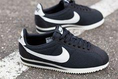 Nike wmns Classic Cortez Nylon: Black/White