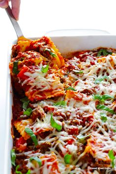 Super-Easy Ravioli Lasagna -- quick and easy to prep, and full of the delicious lasagna flavors we all love! | gimmesomeoven.com
