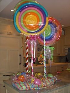 balloon lollipop - cute in blue and white or pink and white for baby shower