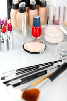 Beginners Makeup Items: we'll give you a list of the must haves.