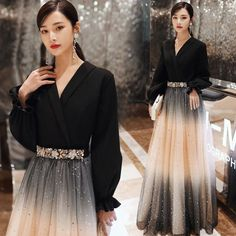 Fashion Black Evening Dresses 2020 A-Line / Princess V-Neck Star Sequins Rhinestone Long Sleeve Floor-Length / Long Formal Dresses Evening Gowns With Sleeves, Black Evening Dresses, Elegant Dresses, Pretty Dresses, Beautiful Dresses, Indian Fashion Dresses, Skirt Fashion, Silhouette Mode, Fashion Silhouette