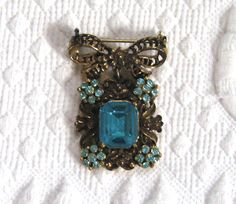 Filigree Bow Brooch . pendant brooch .  Turquoise by vintagous