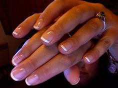 gel french manucure