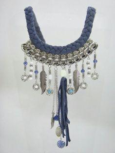 283fd9c0436e Collar Cleopatra de trapillo trenzado en azul petróleo