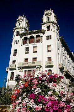 Edificio Trujillo, Ceuta   Spain (by Samuel Cabello)