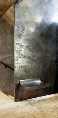 Steel wall and integrated seat Color of walls in Prison
