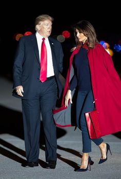 President Donald J. Trump with first lady, Melania arrive aboard Air Force One at Palm Beach International Airport in West Palm Beach, Florida on February President Trump will be staying the weekend at Mar-a-Lago. (Allen Eyestone / The Palm Beach Post) Style Casual, Casual Chic, My Style, Melanie Trump, Chic Outfits, Fashion Outfits, Womens Fashion, First Lady Melania Trump, Melania Trump Model