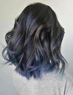 Balayage vs highlights: what's the difference? hair colors b Balayage Vs Highlights, Blue Hair Highlights, Balayage Hair, Blue Ombre Hair, Hair Color Techniques, Grunge Hair, Silver Hair, Hair Trends, Dyed Hair